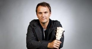 Evan Davies (guitar 1)